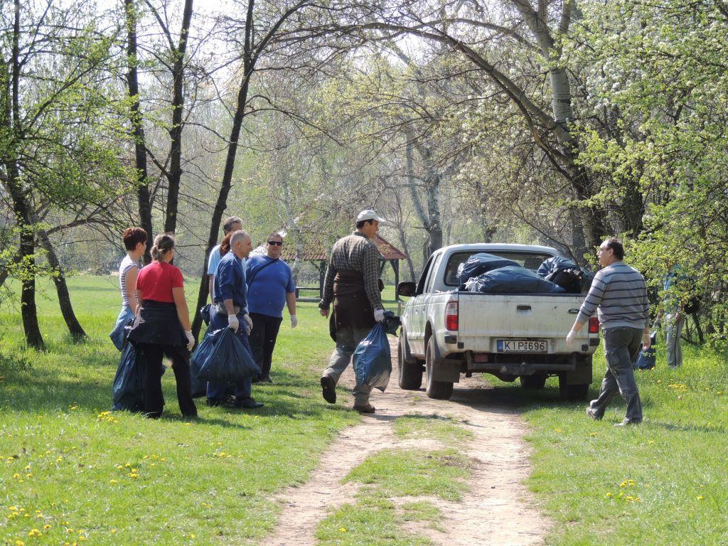 """Március 21. – Az """"Erdők Nemzetközi Napja"""" – Nagytakarítsunk együtt Bács-Kiskun megye erdeiben!"""