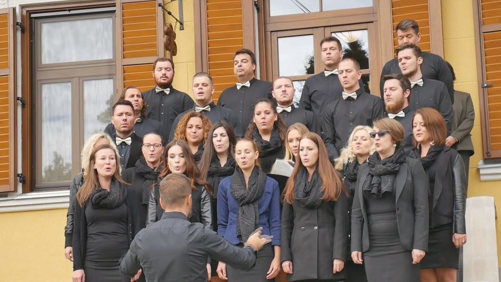 Életképek –  Keresztény vonatkozású erdei emlékhelyek felújítása a Mecsekerdő Zrt.-nél_2017.10.08