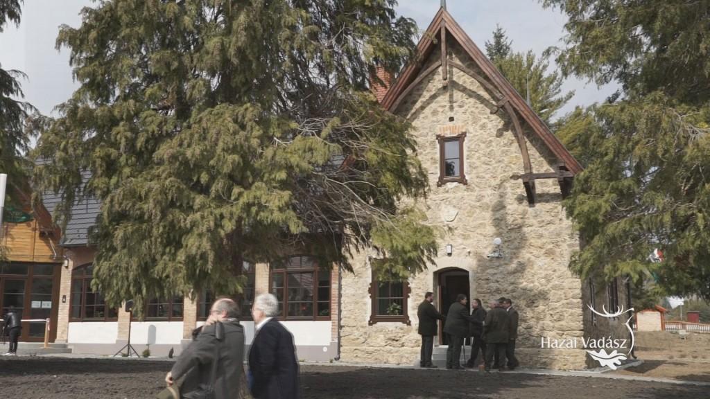 Megújult a Bakonyerdő Zrt. farkasgyepűi erdészeti irodaépülete